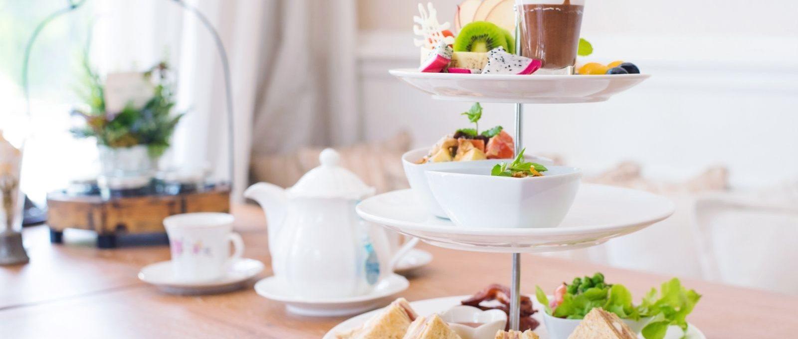 Wat is het verschil tussen high tea en afternoon tea?